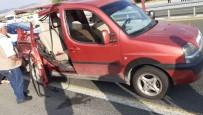Hafif Ticari Araç, Tıra Çarptı Açıklaması1 Ölü,3 Yaralı