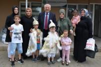Hendek'te 180 Çocuğa Sünnet Kıyafeti