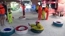 Antalya'da Sıcaktan Bunalana Kar Ve Buz Keyfi