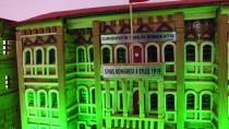 Eski Belediye Başkanı Maketlerle Tarihi Binalara Hayat Verdi