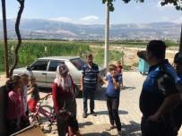 Polisi Görünce Çocuklarını Boğuldu Sanıp Feryat Ettiler