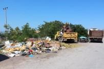 Toprak Döküp Yol Kapatan Esnafa Belediye'den Cevap