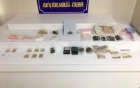 Ataşehir'de Türkmenistan Uyruklu Uyuşturucu Satıcıları Yakalandı