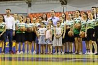 Başkan Dutlulu Basketbol Yaz Okulunu Ziyaret Etti