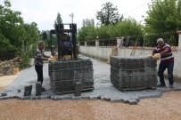BÜYÜKŞEHİR YASASI - Erdemli'de Parke Çalışmaları Sürüyor
