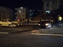 Eskihisar Feribot İskelesi Yolunda Kaza Açıklaması 2 Yaralı