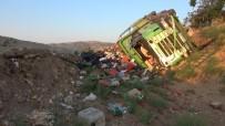 Kırıkkale'de Sebze Yüklü Kamyon Devrildi Açıklaması 1 Yaralı