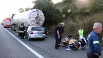 Otomobil, Park Halindeki LPG Yüklü Tankere Çarptı Açıklaması 1 Ölü, 1 Yaralı