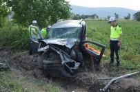 Tokat'ta İki Araç Kafa Kafaya Çarpıştı Açıklaması 1 Ölü, 3 Yaralı