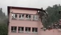 Araklı'daki Selde Zarar Gören Okul Yıkılıyor