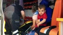 Kocaeli'de İki Otomobil Çarpıştı Açıklaması 4 Yaralı