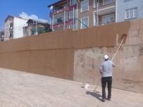 Körfez'de Duvar Yazıları Temizlendi