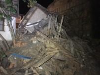 Şile'de İki Katlı Ahşap Bina Çöktü