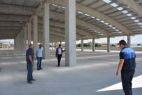 Şuhut'ta Başkan Vekili Us Ve Belediye Meclis Üyelerinden Kapalı Pazar Yeri İncelemesi
