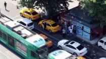 Turistleri Dolandırdığı İddia Edilen Taksicilere Operasyon