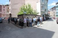 MUHSİN YAZICIOĞLU - Yazıcıoğlu'nun Sevenleri 10 Yıldır Bıkmadan Usanmadan Bunu Yapıyor