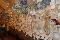 Kapadokya'da Turistler Sevgi Duvarı Oluşturdu