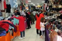 SOSYETE PAZARI - Köşk Sosyete Pazarı Tatilde De Alışverişin Gözdesi