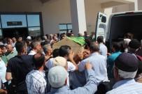 Mezuniyetten Dönerken Kazada Ölen Aynı Aileden 2'Si Defnedildi