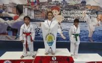 Minik Karateciler 32 Madalya İle Döndü