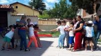Öğrenci Ve Veliler Unutulan Sokak Oyunlarını Oynadı