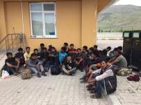 34 Kaçak Göçmen Göç İdaresine Teslim Edildi