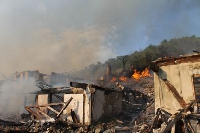 Çankırı'da Telefonsuz Köyde Yangın Açıklaması 7 Ev Kül Oldu