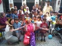 HATAYSPOR - Hatay'da 50 Çocuğa Bayramlık Kıyafet Yardımı