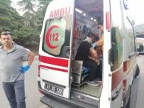 D100 KARAYOLU - Kocaeli'de Bariyerlere Çarpan Otomobil Takla Attı Açıklaması 3 Yaralı