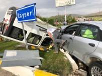 Niğde'de Otomobiller Çarpıştı Açıklaması 1'İ Ağır 2 Yaralı