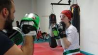 SPOR MERKEZİ - Savaş Gazisinden Satın Aldığı Protez Bacakla Kick Boks Yapıyor