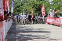 AHMET HAŞIM BALTACı - Arnavutköy'de Bisikletçiler Kıyasıya Yarıştı