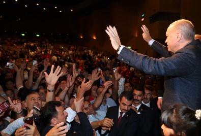 Cumhurbaşkanı Erdoğan Japonya'da Türk Vatandaşlarıyla Bir Araya Geldi
