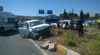 Didim'de Trafik Kazası Açıklaması 1 Yaralı