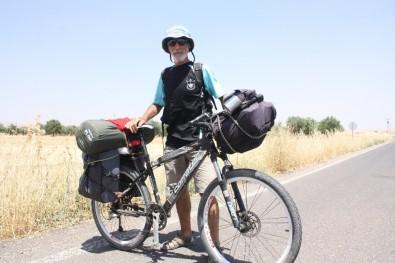 Hayallerini Mayaladı, Bisikletine Atlayıp Türkiye'yi Gezmeye Başladı