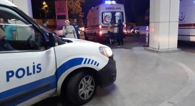 İzmit Barlar Sokağında Kesici Aletli Kavga Açıklaması 2 Yaralı