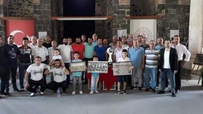 Kupalar Ve Resimlerle Diyarbakırspor Sergisi Devem Ediyor