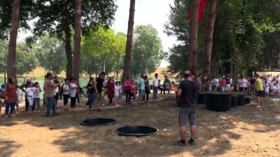 Mersin'de Çocuklar İçin Zorlu Parkurda Eğlenceli Yarışma
