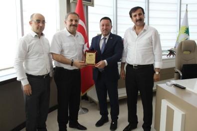 Öktüren'den Başkan Beyoğlu'na Teşekkür Plaketi