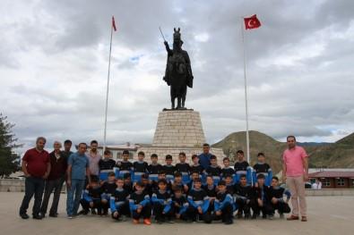 Oltulu Genç Futbolcular  Borçka'ya Gitti