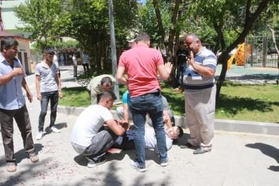 Parkta Silahlı Bıçaklı Kavga Açıklaması 3 Yaralı