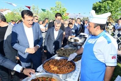 Yeşilyurt'un Ünlü Yemekleri Kiraz Festivalinde Beğeniye Sunuldu