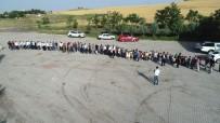 300 Torunu Bayramını Kutlamak İçin Metrelerce Kuyruk Oluşturdu