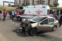 Bingöl'de Otomobiller Çarpıştı Açıklaması 5 Yaralı