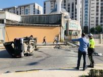 Direğe Çarpan Kamyonet Takla Attı Açıklaması 6 Yaralı