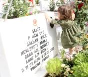 FIRAT KALKANI - Hiç Görmediği Şehit Babasıyla Mezarda Bayramlaştı