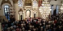 CAMİ İMAMI - İzmirliler Bayram Namazı İçin Hisar Camii'ne Akın Etti