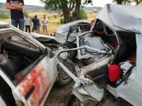 Kepsut'ta Trafik Kazası Açıklaması 1 Ölü, 7 Yaralı