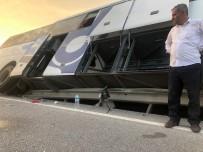 YOLCU OTOBÜSÜ - Yolcu Otobüsü Kaza Yaptı Açıklaması 40 Yolcu Ölümden Döndü