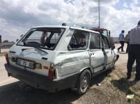Amasya'da Otomobil Devrildi Açıklaması 2 Yaralı
